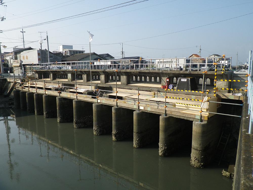 伊予松山港線橋りょう補修工事(防災安全)